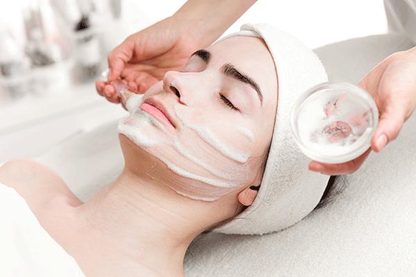 Schönheit - Kosmetische Behandlungen